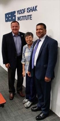 Dr. Satu Limaye, EWC, Washington, D.C. and representatives from the YUSOF ISHAK Institute