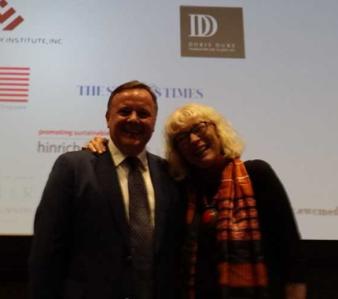 Glenn van Zutphen and Susan Kreifels at East West Center Media Conference.